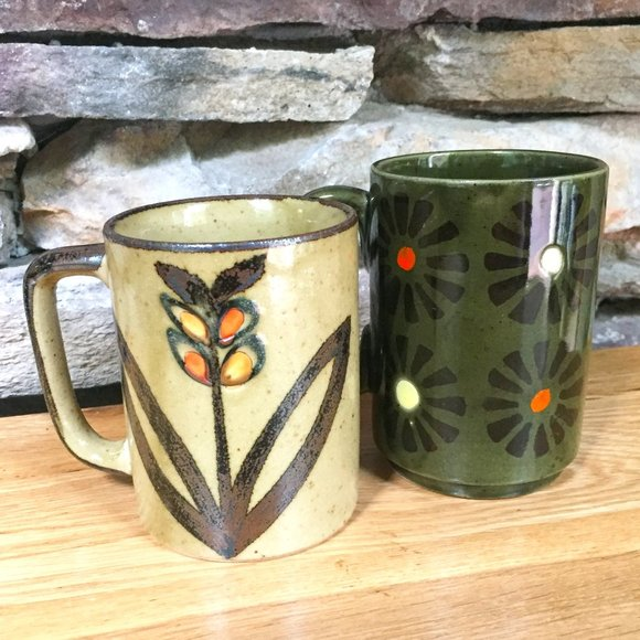 VTG Mugs 70s Vibe Floral Daisies Boho Lot 2